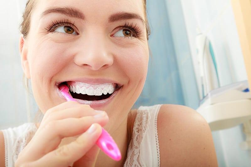 Garantiza el exito de tus implantes limpiandolos_cont