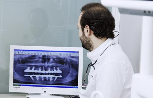 Julián Saiz Clínica Dental - Casos de éxito - Conócenos