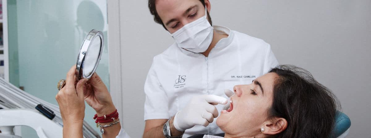 Carillas dentales - Confía en profesionales especializados en estética dental