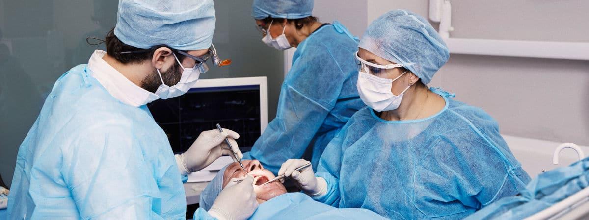 Extracciones dentarias - Ponte en manos de profesionales especializados