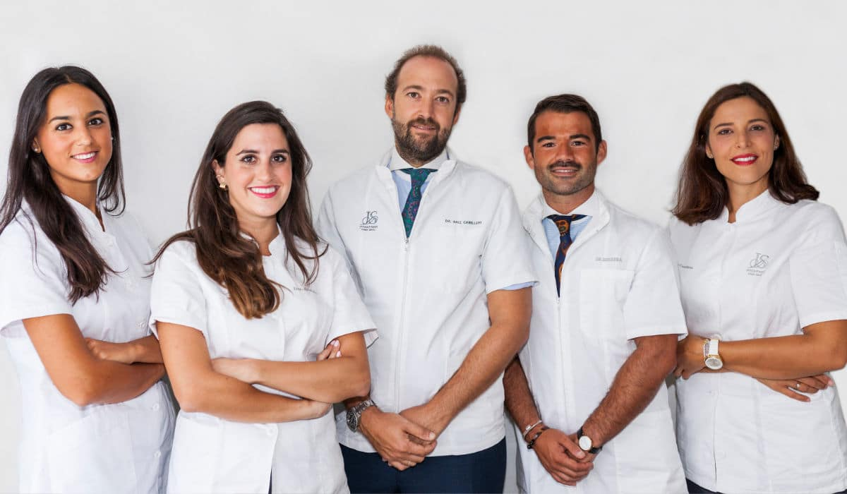 El papel del especialista en implantología dental.