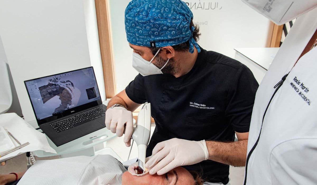 Clínica Dental Julián Saiz, expertos en implantología avanzada